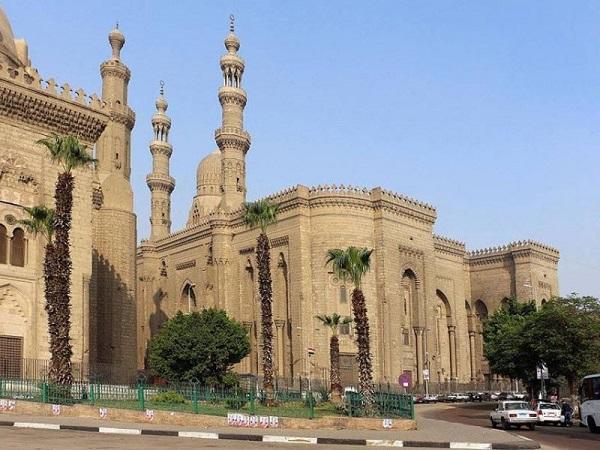 مسجد الرفاعى القاهرة .... مقبرة