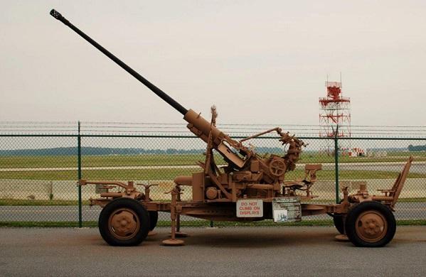 ابرز صفقات شراء الاسلحه للجيش العراقي للاعوام 1921 - 1988  Chak.B3