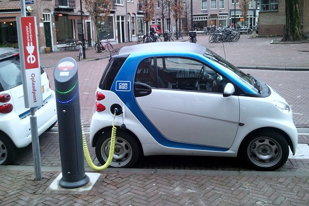 Icon16السيارة الكهربائيه حلول واعدة من أجل البيئه المتجدده : الدكتور هيثم الشيباني  Car.E.2
